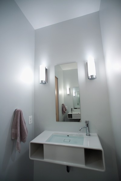 2nd_Floor_-_Hallway_Bathroom