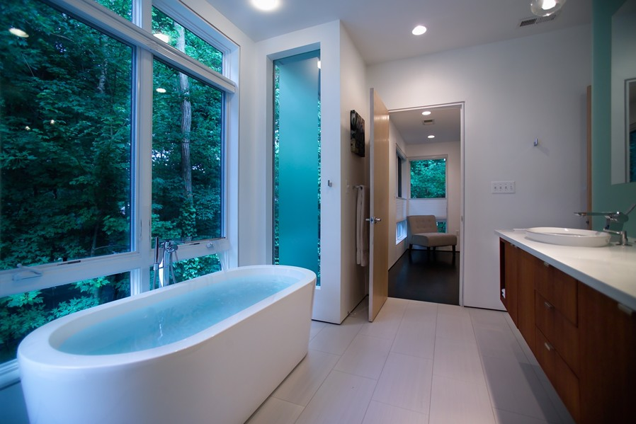 2nd_Floor_-_Master_Bathroom_-_Overall_View_1