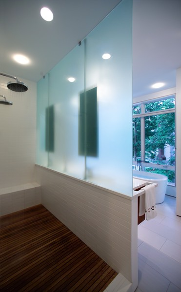 2nd_Floor_-_Master_Bathroom_-_View_of_Shower